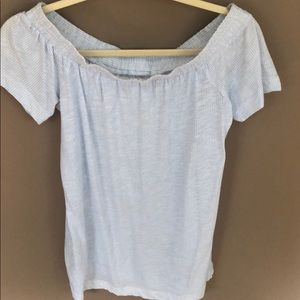 Off the shoulders shirt